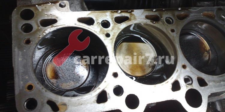 Цилиндры двигателя и поршневые кольца изношены