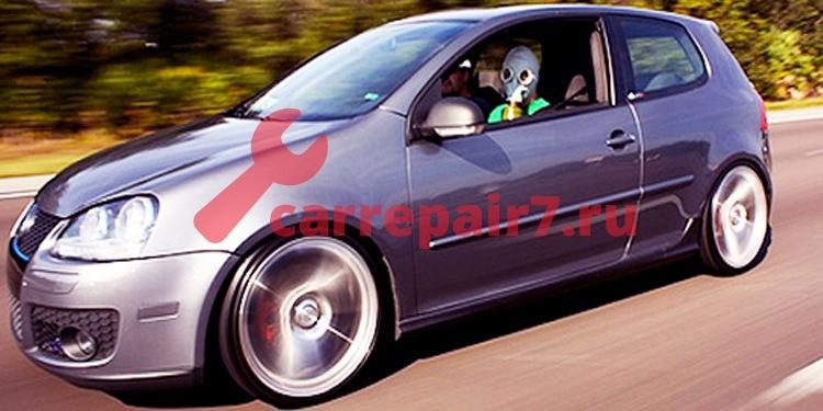 Запах бензина в салоне автомобиля: причины и способы устранения