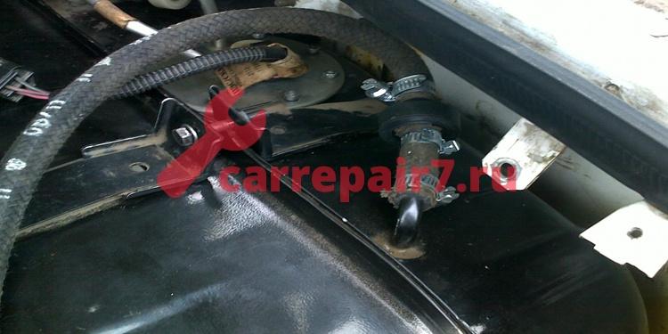Причины запаха бензина в салоне в салоне автомобиля