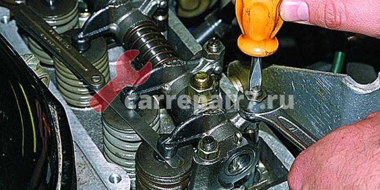 Зачем регулировка зазоров клапанов двигателя